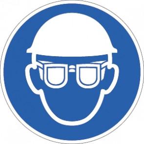 Helm und Sichtschutz tragen